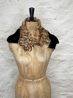 Sheepskin Button Scarf Leopard/Black - Ailsa RRP £95